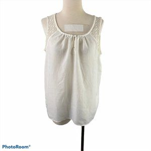 GAP White Sleeveless Scoop Neck Shirt